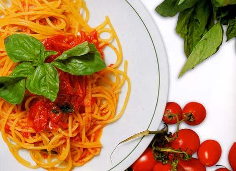 spaghetti_coi_pomodorini.jpg