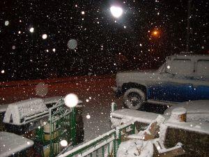 800px-Snowfall_in_Pant_Glas