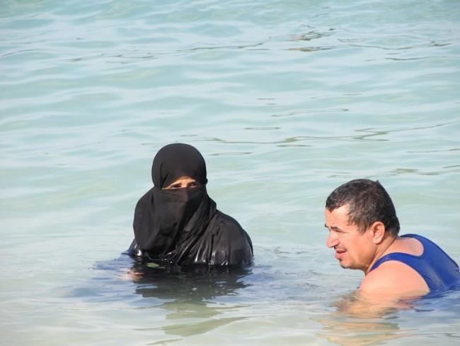 burka-swim-