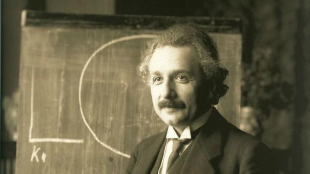 Einstein_1921_by_F_Schmutzer_-_restoration-635x357